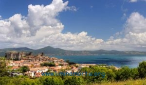 """Lake and village of Bracciano (Rome)"""